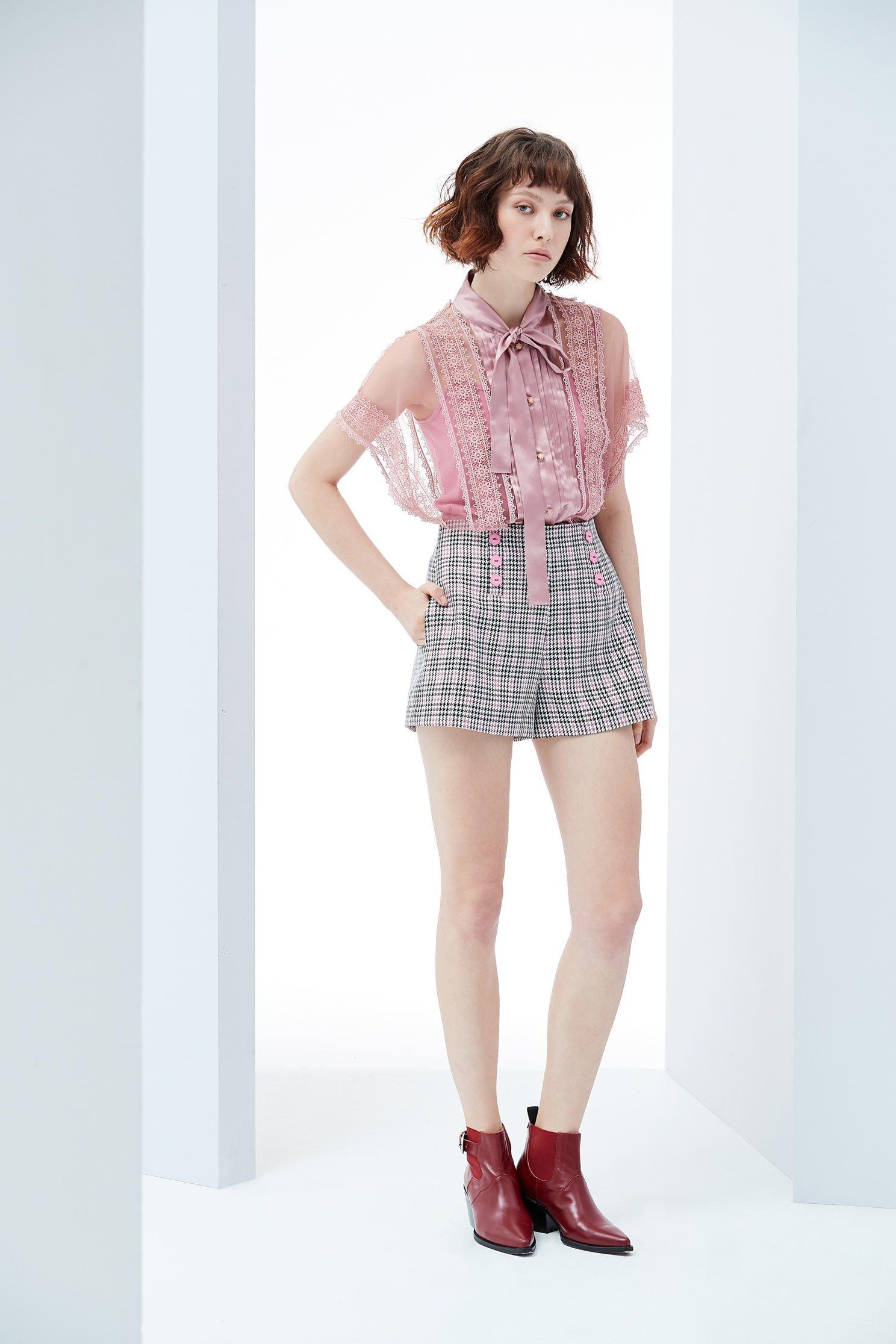 民族風繡花女人設計上衣 上衣 平織 短褲 | | 上衣 | | iROO