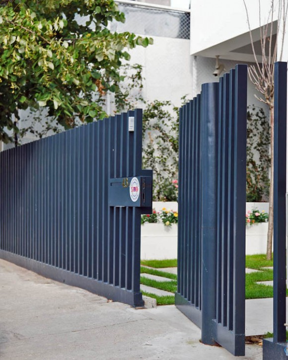 7 Modern Fence Designs for your Modern Home9  Irooniecom