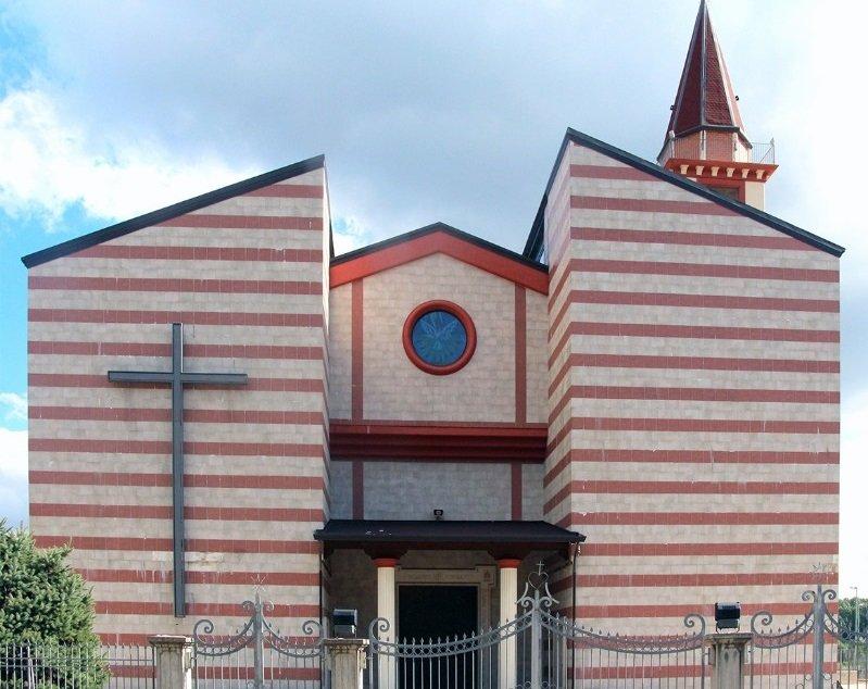 chiesa di cervinara in stile moderno