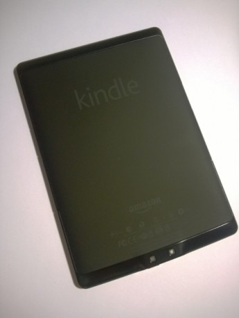 kindle dos 345x460 - [Test] Kindle à 29€ (reconditionné) (premières impressions)