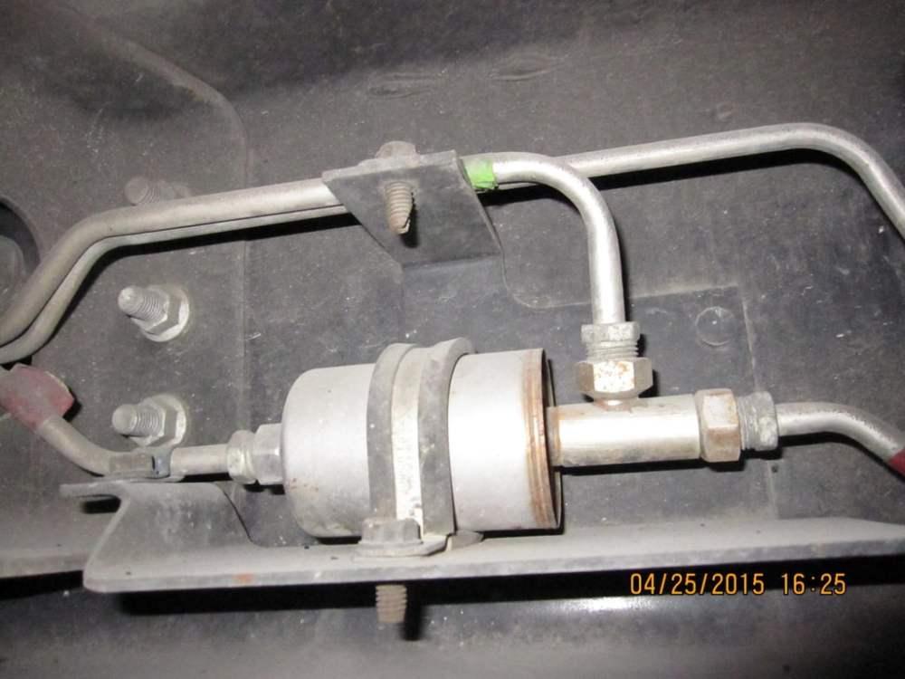 medium resolution of saturn fuel filter location