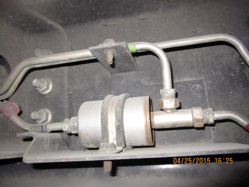 hight resolution of saturn fuel filter location