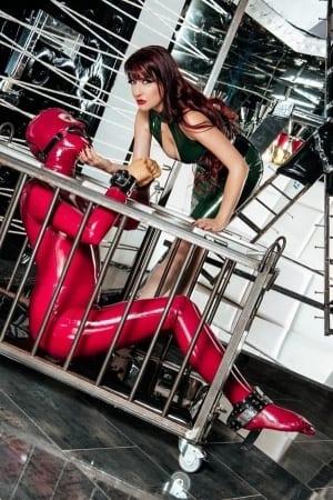 Lady Ginger - BDSM Bild des Tages