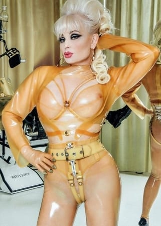 Madame Gillette - BDSM Bild des Tages