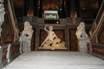 kunsthistorisches museum wien statue