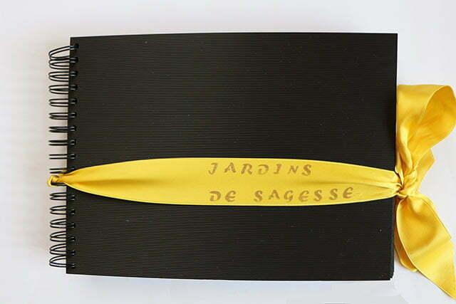 """Couverture du livre d'artiste """"Jardins de sagesse""""."""
