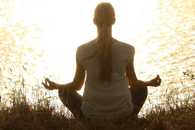 je pratique le yoga