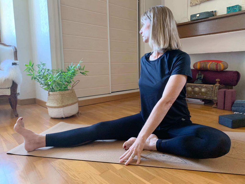 isabel kehr en posture yoga