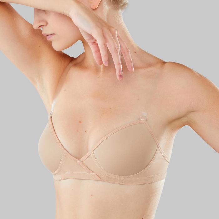 femme en soutien gorge pour la mammographie