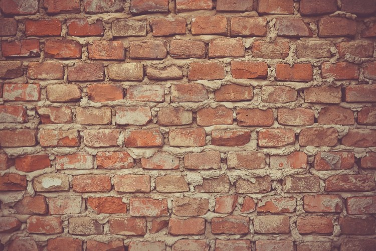 mur de briques aveugle : on ne voit pas au-delà