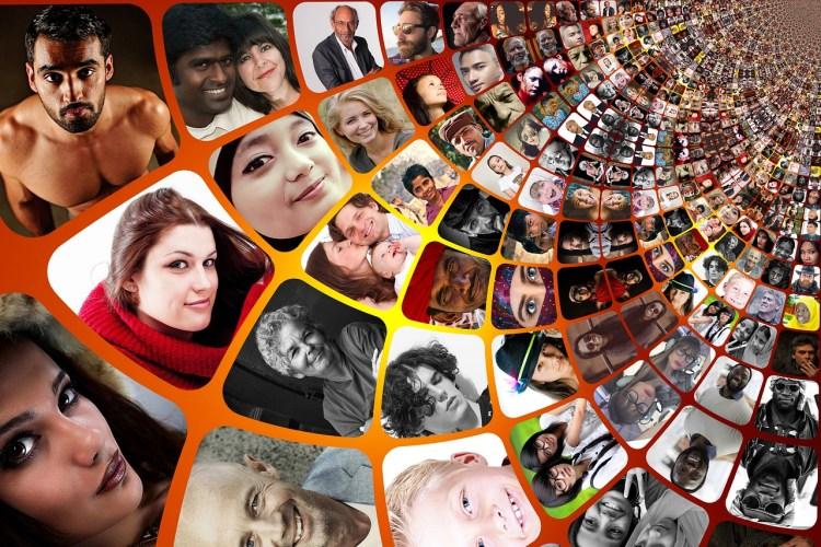 Spirale de centaines de visages de tout âge