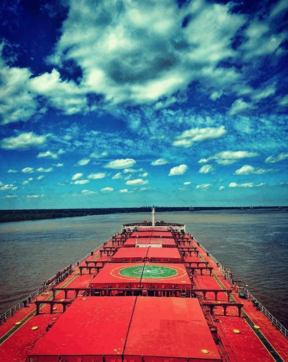 1. Underway Mississippi River. Credits to Christos Matias