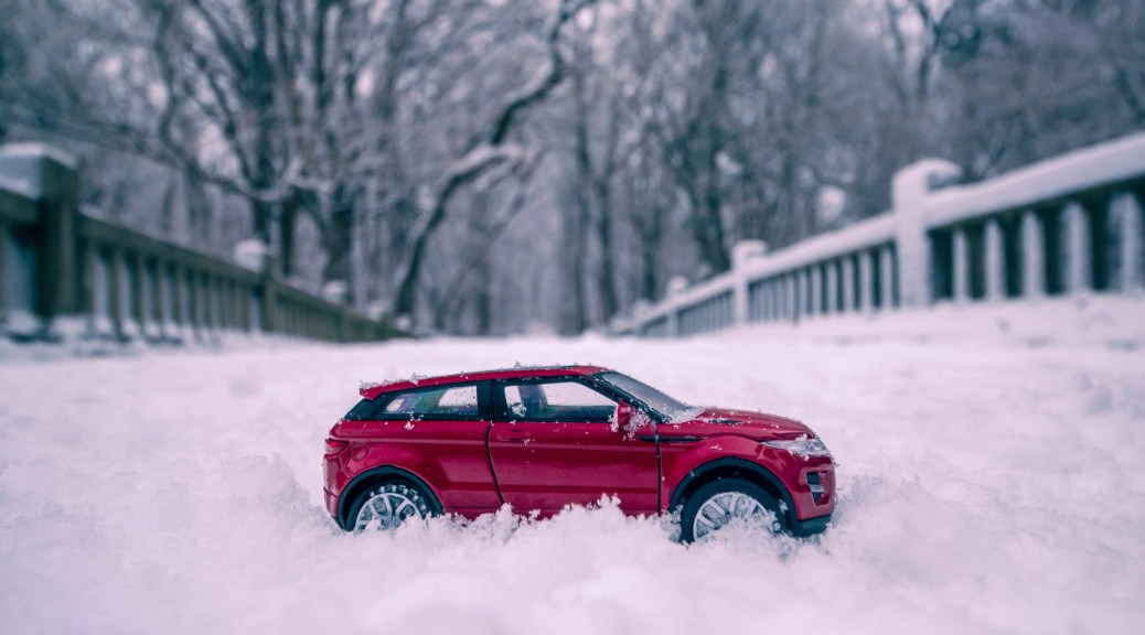 Range Rover Evoque in snow