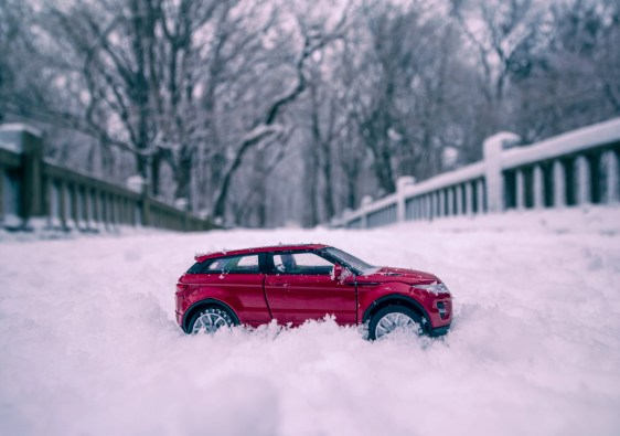 Range Rover Evoque in snow