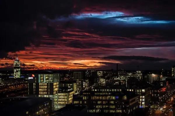 24 Stunden Bayern - Abendhimmel über München | Foto: Bayerischer Rundfunk