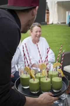 Zur Begrüßung gibts grüne Smoothies bei AEG | Foto: Monika Schreiner