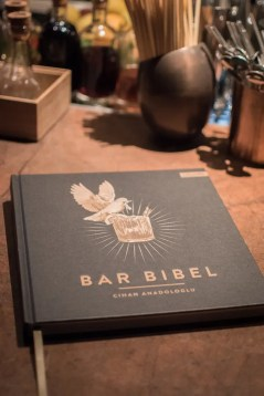 Die Bar Bibel | Foto: Monika Schrenier
