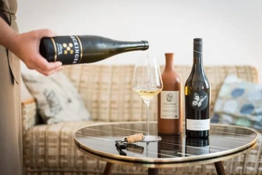 Wein im Hinterzimmer bei 225 Liter   Foto: Monika Schreiner