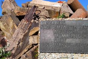 Gedenktafel am Monte Scherbelino. Foto: Fiffibene