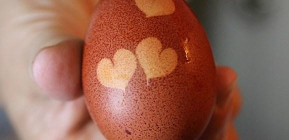 Tradizioni di Pasqua a Ischia: le uova rosse