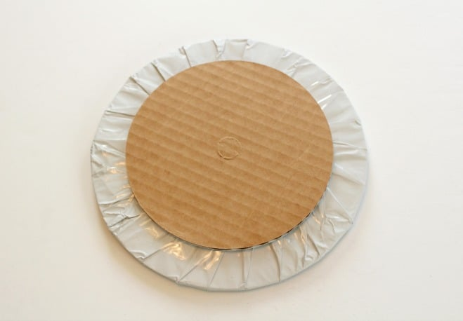 Adding a base to the round cake board