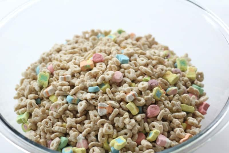 place cereal into mixing bowl
