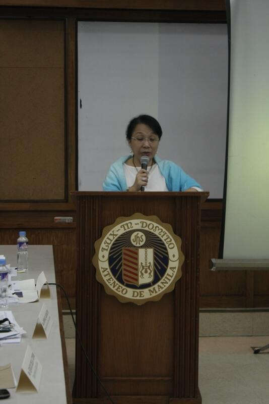 PHilSEN Executive Director Lurina Gargarita introduces the keynote speaker.