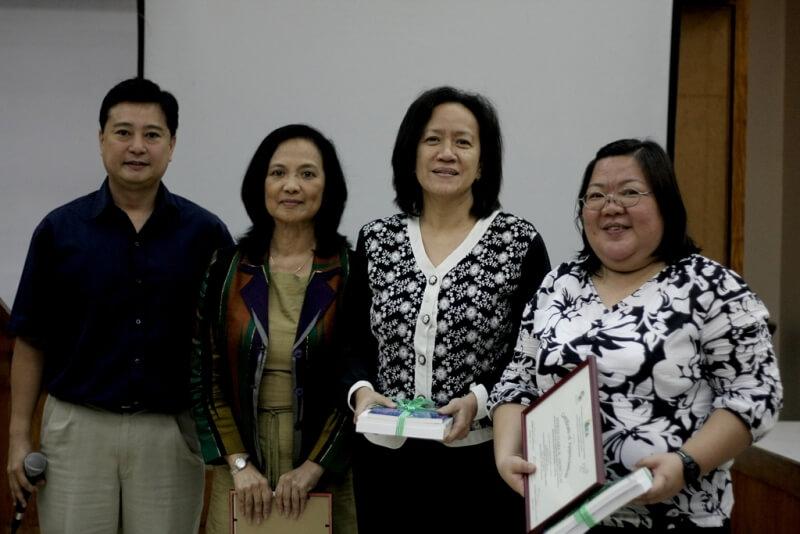 FSSI's Jay Lacsamana, ISEA's Lisa Dacanay, Rep Tanada's CoS Jessica Cantos award a certificate of appreciation to NEDA's Myrna Asuncion.