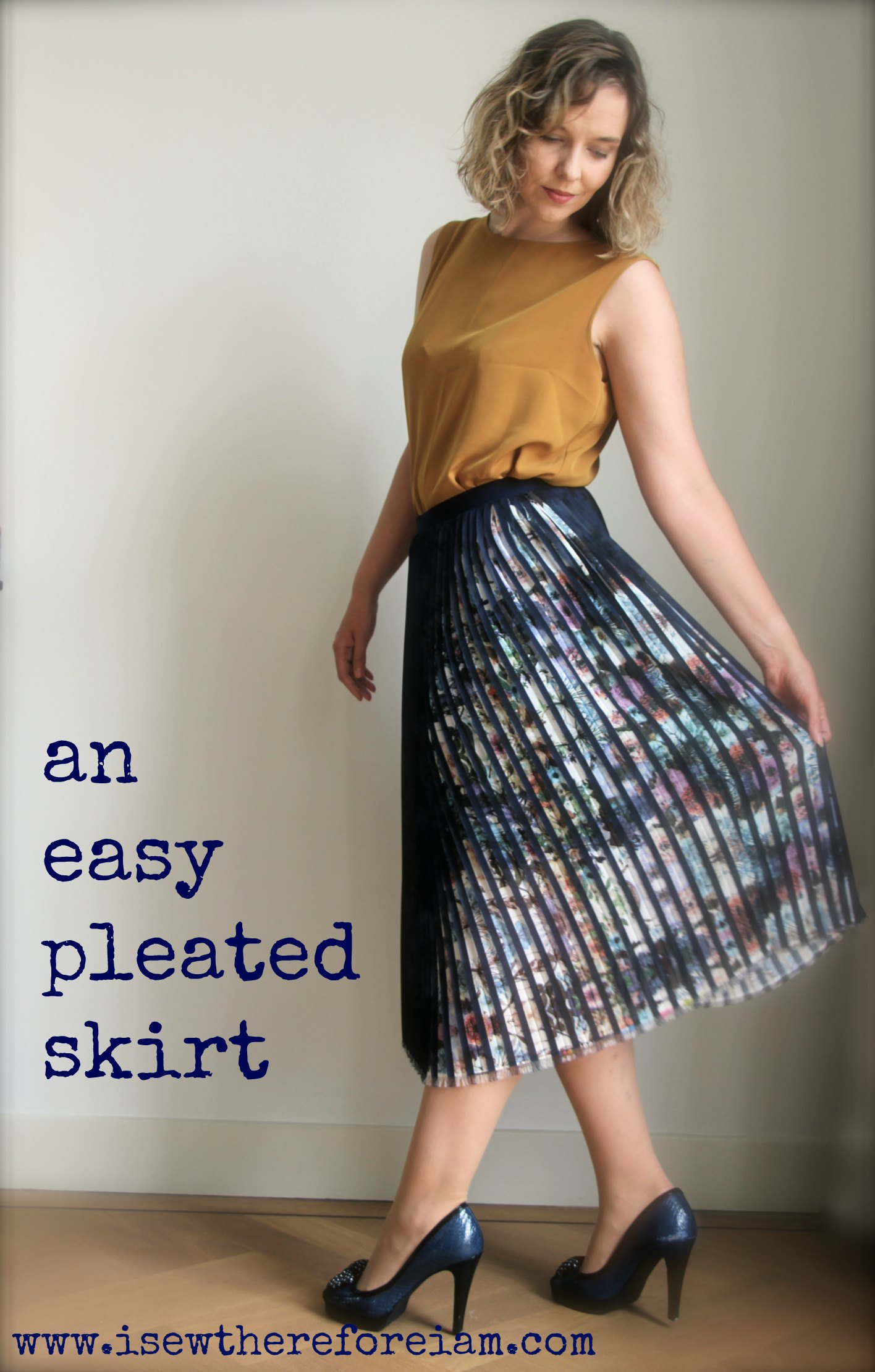 An easy pleated skirt with elastic waist band made out of pre-pleated fabric