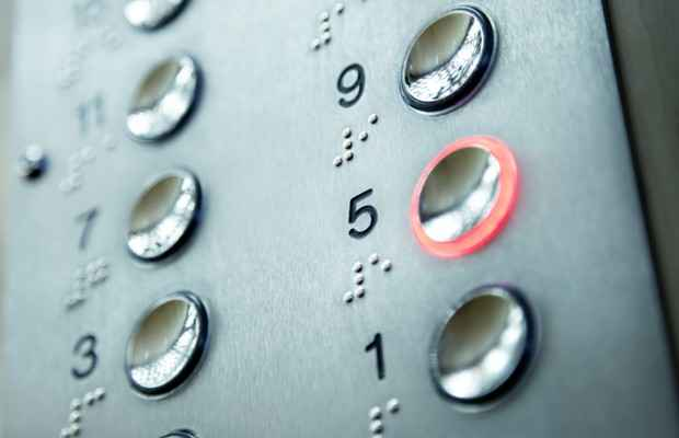 apartmanlarda-alinacak-onlemler-asansor-buton