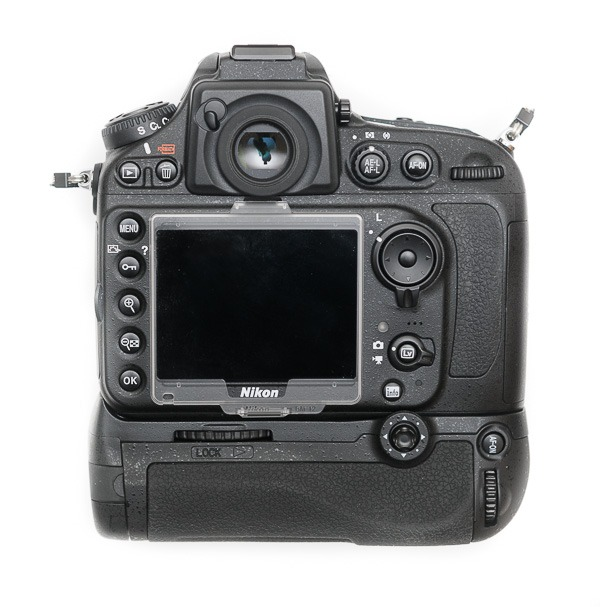 aaputure-BP-D12-Grip-Nikon-D800-6928