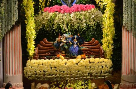 Jhulan Yatra 2013 Celebrated at ISKCON Calcutta