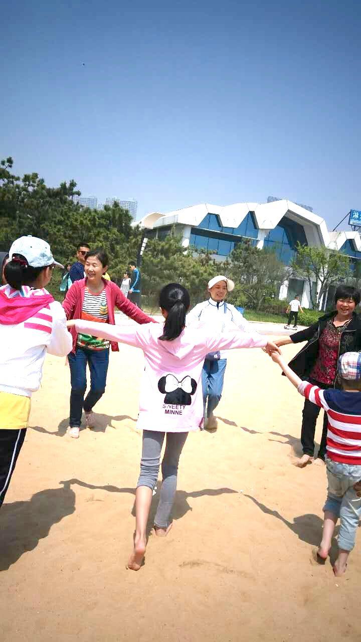 kirtana-qingdao-beach-11