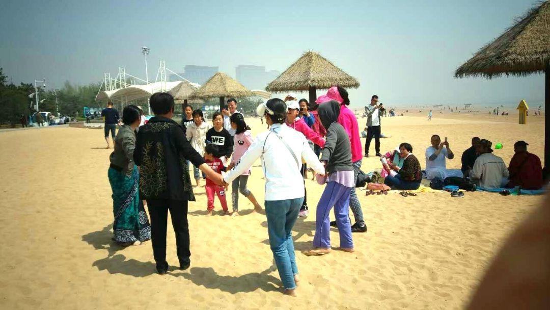 kirtana-qingdao-beach-4