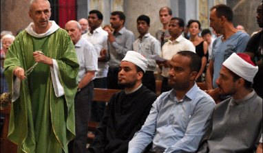 Ces prêtres qui dissuadent les ex musulmans de se convertir : témoignage