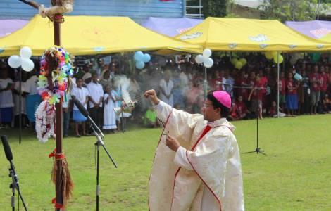L'évêque papou dénonce la présence croissante des islamistes. Et les évêques européens ?