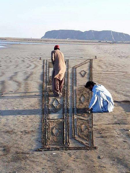 Stunning 3D Sand Art from Balochistan