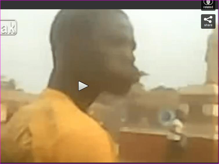 Vido CHOC Centrafrique  Un chrtien cannibale mange un musulman devant les camras  IslamInfo