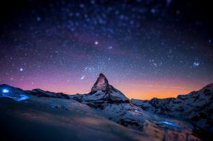 1280x800_night-stars-bokeh-Switzerland-Alps-Matterhorn-Zematt-cervino-sky-HD-Wallpaper