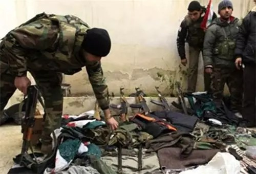 Syrian Army Destroys Rebels' Weapons Market in Deir Ezzur