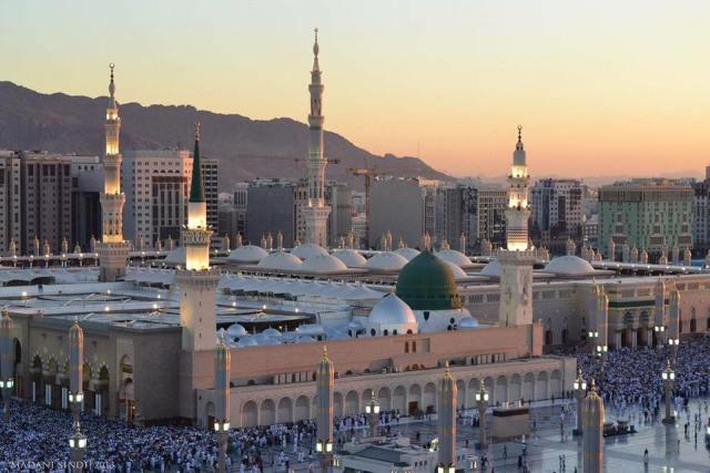 Masjid Al-Nabwi - 2nd largest mosques
