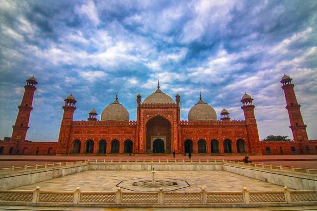 Badshahi Mosque - one of the largest mosques