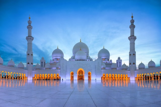 Sheikh Zayad Mosque - one of the largest mosques