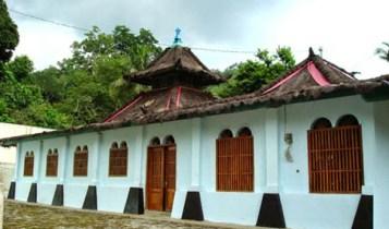 Ini Dia Daftar 4 Masjid Tertua di Indonesia 2