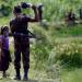Tentara perbatasan Bangladesh larang Muslim Rohingya masuki negaranya. Foto: Reuters