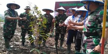 TNI AD tanam ribuan pohon dalam rangka memperingati Hari Juang Kartika. Foto: Saifal/Islampos