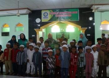 Persaudaraan Muslimin Indonesia (Parmusi) menggelar khitanan massal di Masjid Al Ikhwan Kota Ba'a Kelurahan Namodale,  Kecamatan Lobalain, Kabupaten Rote Ndao, Nusa Tenggara Timur, Ahad (04/02/2018). Foto: Istimewa.