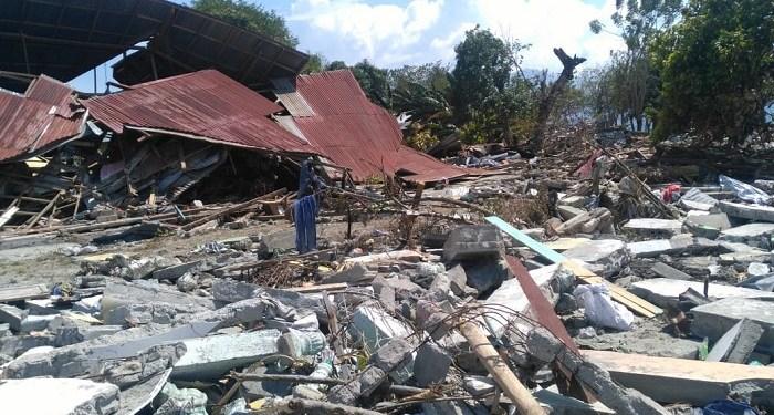 Reruntuhan bangunan di Palu, Sulawesi Tengah. Foto: Saifal/Islampos