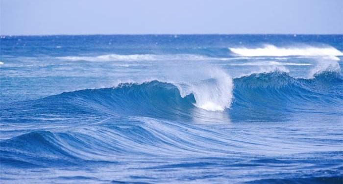 gelombang tinggi laut