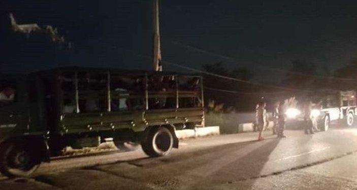 Truk memuat tentara gagal dibegal. Foto: Pinoytrend